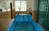 Ванна для подводного душ-массажа